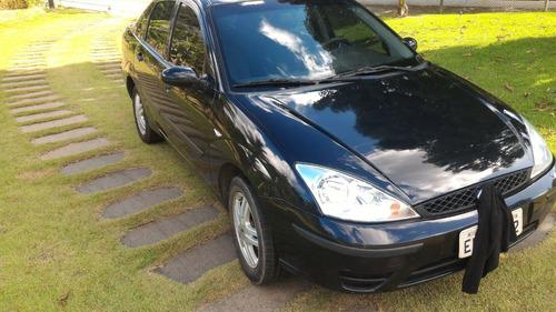 ford focus sedan 2.0 glx 4p