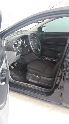 ford focus sedan 2.0 glx flex 4p