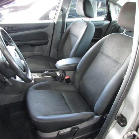 ford focus sedan 2.0 glx flex aut. 4p 2013 prata