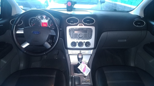 ford focus sedan 2.0 glx manual 2010/2010