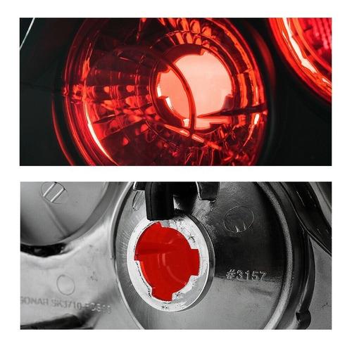 ford focus sedan 2000 - 2004 juego de calaveras fondo negro