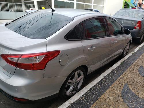 ford focus sedan