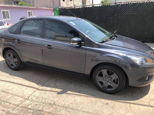 ford focus sedan ambiente 5vel mt 2010
