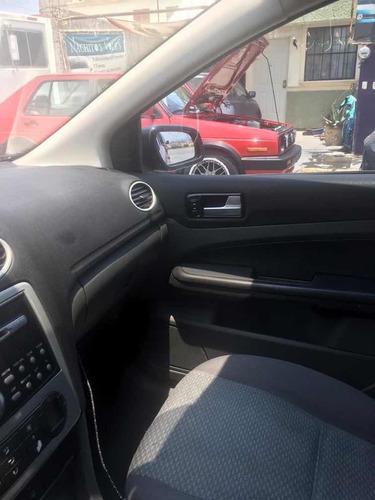 ford focus sedan ambiente at 2007