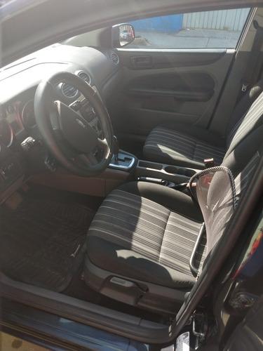 ford focus sedan ambiente at 2010