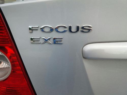 ford focus sedan  exe 1.6 glx  descuenta iva!
