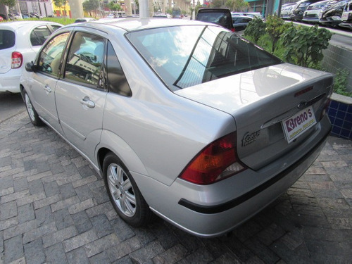 ford focus sedan  ghia 2.0 16v (aut) gasolina automático
