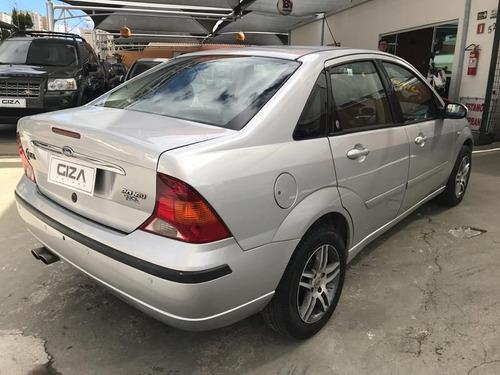 ford focus sedan ghia 2.0 16v(147cv) 4p   2007