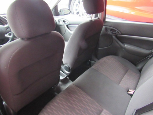 ford focus sedan  glx 1.6 8v gasolina manual