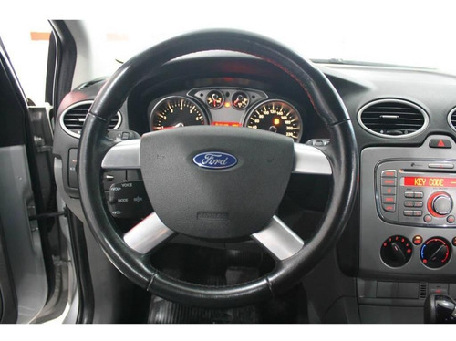 ford focus sedan glx 2.0 16v flex 4p aut. ** muito novo **