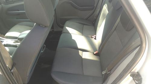 ford focus sedan se 2.0 flex mecanico