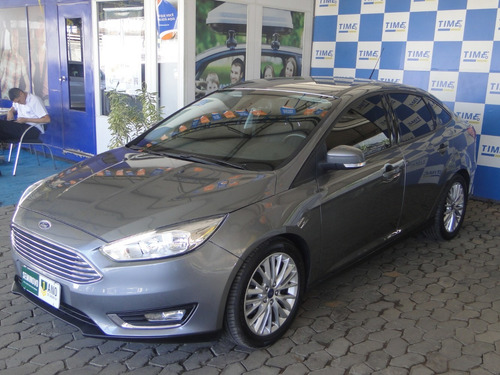 ford focus sedan se 2.0 powershift 2017