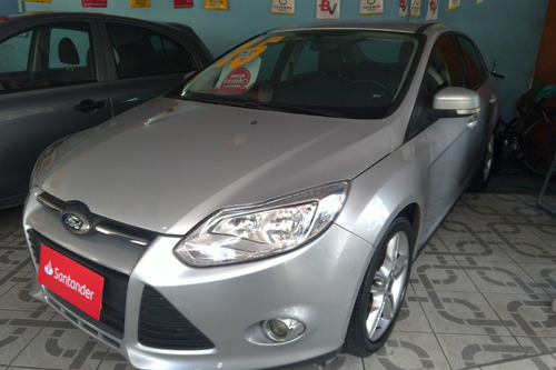 ford focus sedan se aut