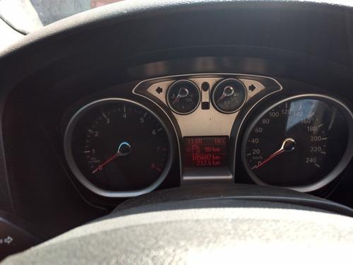 ford focus sedan sport 5vel mt 2010