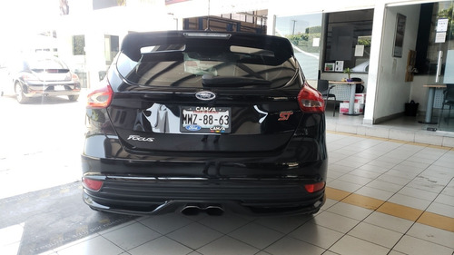 ford focus st 2.0 turbo 250 hp