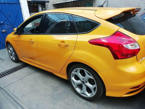 ford focus st - 252 hp - mt 6