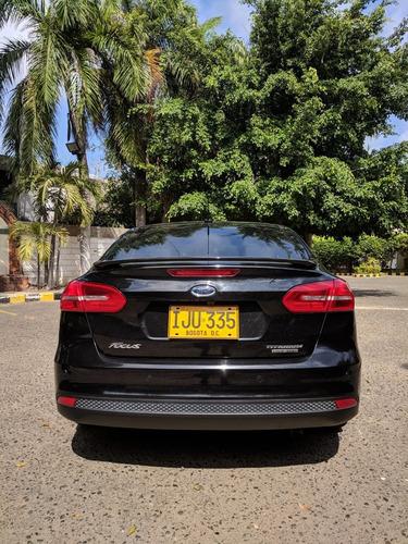 ford focus titanium 2.0 - 43000kms