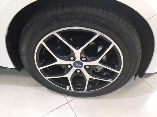 ford focus titanium 2.0 5 puertas- gp3