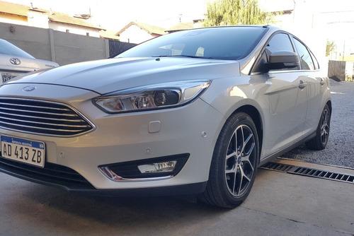 ford focus titanium 2.0 at powershift 5p