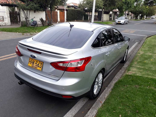 ford focus titanium 2000 cc at