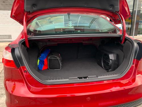 ford focus titanium 2013 motor 2.0 rojo