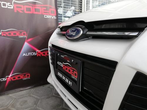 ford focus titanium plus 2013, at