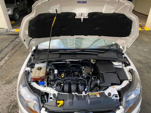 ford focus titanium unico dueño