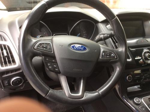 ford focus titanuim automatico