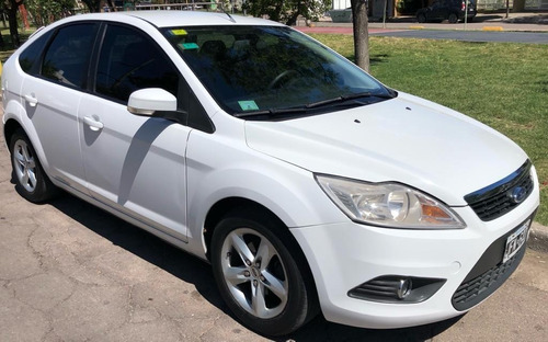 ford focus trend 1.6 2010 permuto!