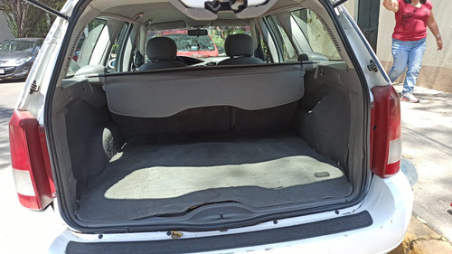 ford focus wagon 2002