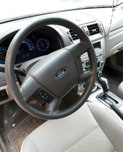 ford fusion .