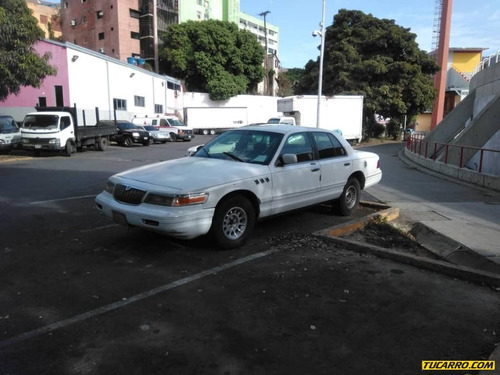 ford grand marquis .
