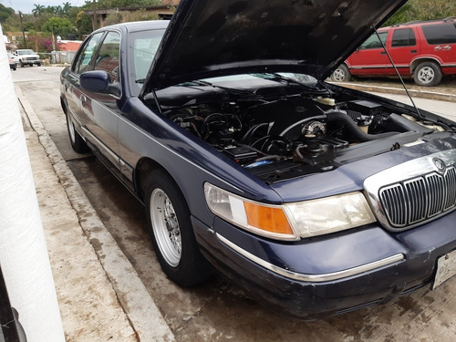ford grand marquis 4.6 premium piel mt 2002