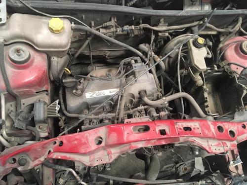 ford ikon  2006 para reparar