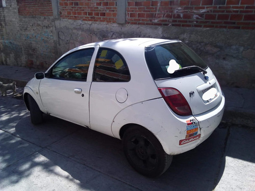 ford k 2003 de 3 puertas