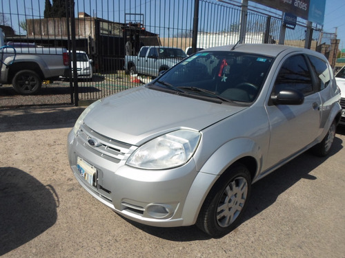 ford ka   aire y direcc impecable