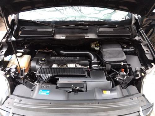 ford kuga 2.5 titanium at 4x4 financio anticipo $215.000