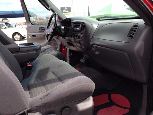 ford lobo 4x4 sport todo le funciona en buenas condiciones