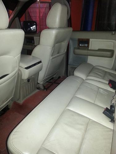 ford lobo 5.4 lariat cabina doble 4x4 mt 2004