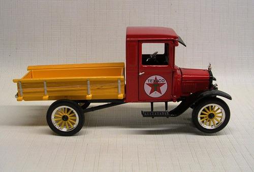 ford model t texaco truck.1923.1:32 . signature model