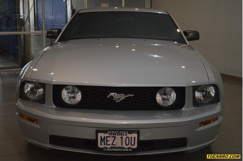 ford mustang .