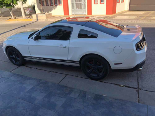 ford mustang 3.8 coupe lujo v6 mt 2013
