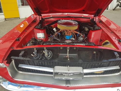 ford mustang 4.900 cc