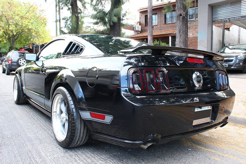 ford mustang 5.0 coupe v8 gt 2007 333cv