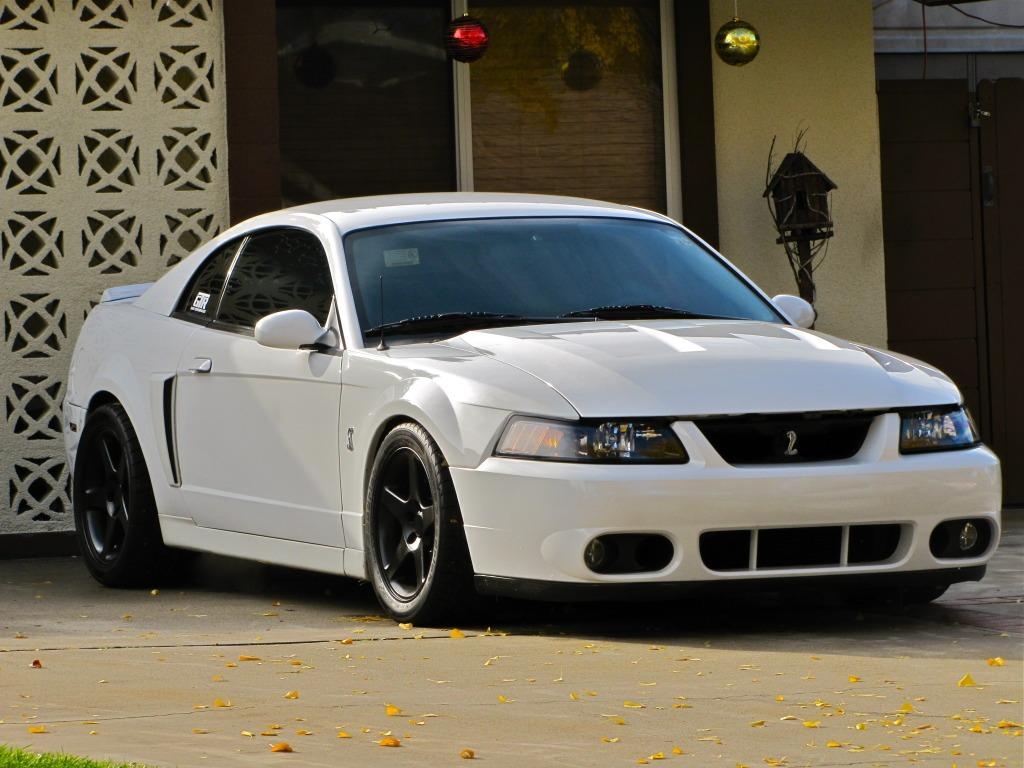 Ford Mustang Cobra 03 04 Defensa Delantera 99 00 01 02 03