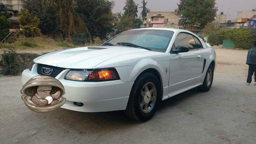 ford mustang coupe 6 cilindros