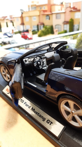 ford mustang gt 2010 escala 1/18
