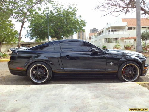 ford mustang gt deluxe - automatico