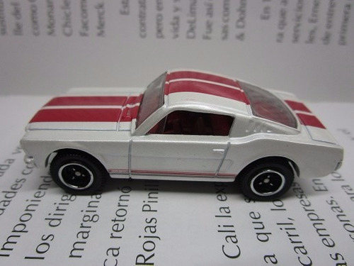 ford mustang gt escala 1/64 de coleccion  matchbox 6cm
