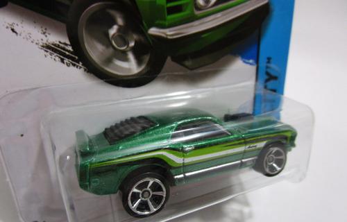 ford mustang mach escala 1/64 coleccion hot wheels 2013